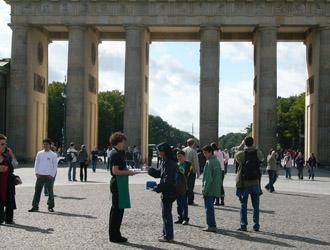 Starbucks barista at the Brandenburg Gate, Berlin, Germany